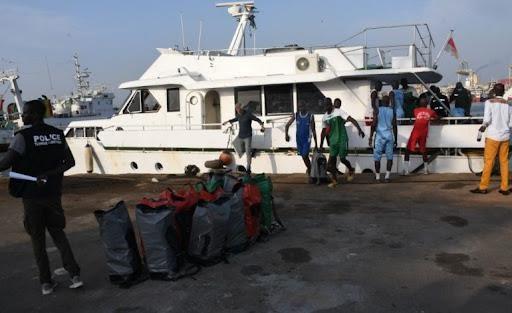 Trafic de drogue: La marine intercepte un navire avec 2026 kg de cocaïne